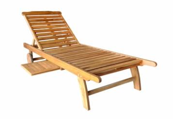 Giường tắm nắng gỗ  02